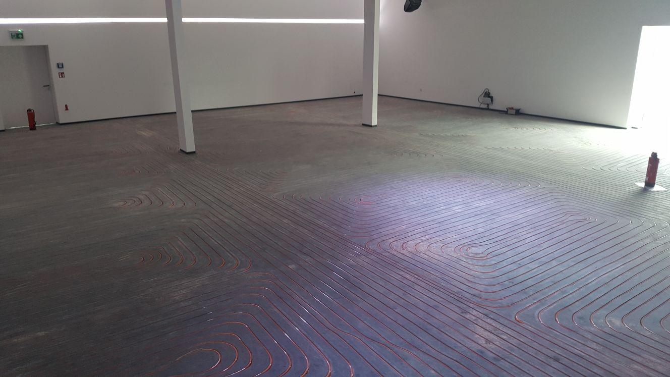 Feestzaal voorzien van vloerverwarming